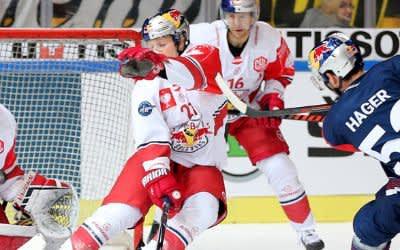 Hager zieht vor dem Salzburger Kasten ab.