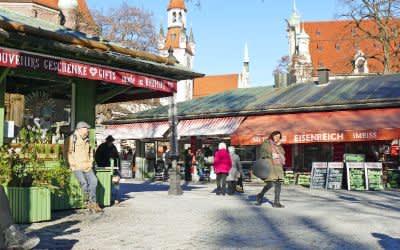 Der Viktualienmarkt in der Wintersonne