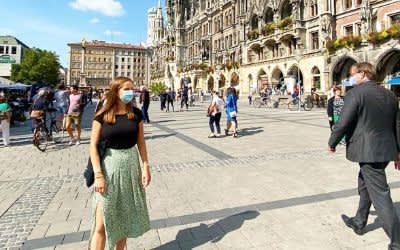 Mund-Nasen-Schutz am Marienplatz in München