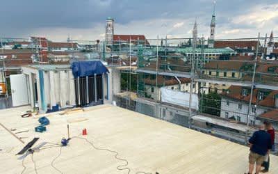 Noch laufen die Bauarbeiten auf dem Dachsportplatz