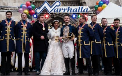 Inthronisation auf dem Marienplatz: Narrhalla-Faschingsprinzenpaar Moritz II. und Désirée I. erhalten den goldenen Stadtschlüssel