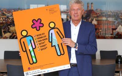 OB Dieter Reiter mit Plakat