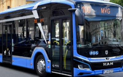 Steht unter Strom: der neue Elektro-Bus der Linie 100.
