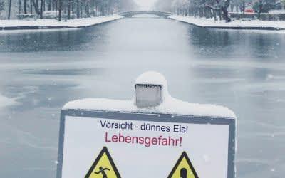 Hinweisschild am Nymphenburger Kanal
