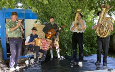 Musikanten beim Kultursommer an der Isar