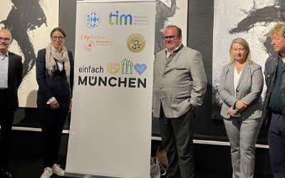 Teilnehmer der Pressekonferenz zur Aktion #münchenistwiederda