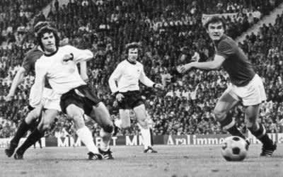 Gerd Müller erzielt ein Tor bei einem Länderspiel im Jahr 1972