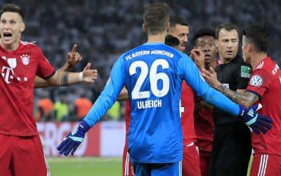 Schiedsrichter Zwayer im DFB-Pokal-Finale FC Bayern - Eintracht Frankfurt