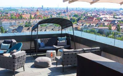 Die Dachterrasse der M'Uniqo Rooftop Bar