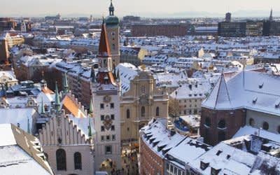 Winter-Panorama der Münchner Altstadt