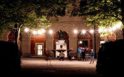 Der Hofgarten bei Nacht