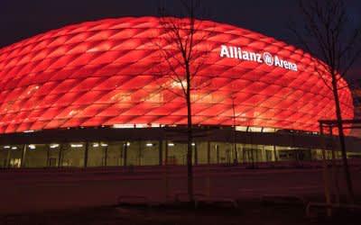 Allianz Arena bei Nacht