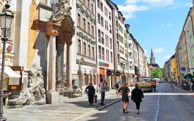 Die Sendlinger Straße im Frühling