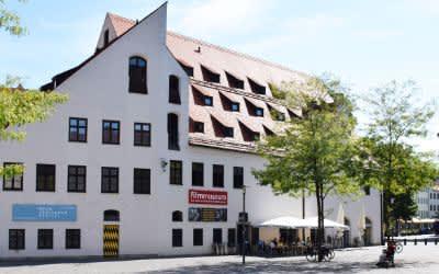 Das Münchner Stadtmuseum im Sommer