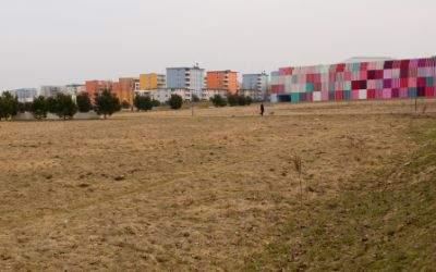 Panzerwiese mit MIRA Einkaufszentrum