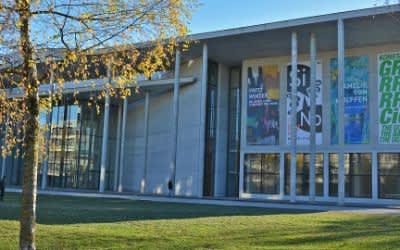 Pinakothek der Moderne im November