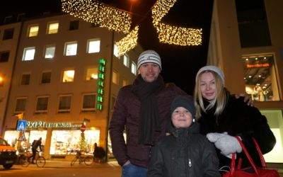 Familie in Adventsstimmung