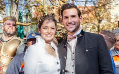 Sarah I. und Fabrician I. - das Faschingsprinzenpaar - beim Faschingsauftakt auf dem Viktualienmarkt 2018