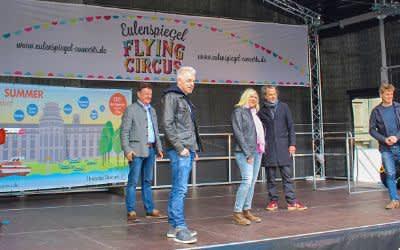 Generaldirektor Wolfgang M. Heckl, Comedian Michael Mittermeier, Sängerin Claudia Koreck, Dreiviertelblut-Musiker Gerd Baumann und Eulenspiegel-Flying-Circus-Macher Till Hofmann.