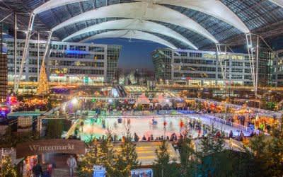 Wintermarkt am Flughafen München von oben