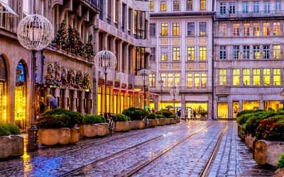 Regenwetter in der Münchner Innenstadt - Perusastraße