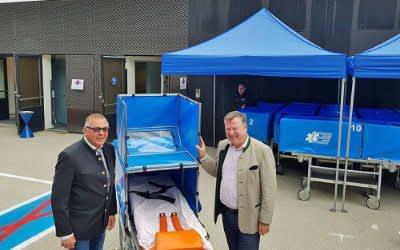 Wiesn-Sanitätsstation: Peter Aicher, Geschäftsführer der Aicher Ambulanz und Bürgermeister Josef Schmid