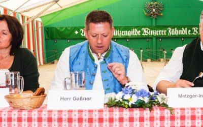 Wurstprüfung - Die Wurstkommission testet Schweinswürstl