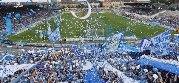 TSV 1860 München bei der Rückkehr ins Grünwalder Stadion.