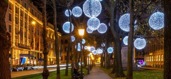 Lichterkugeln am Promenadeplatz