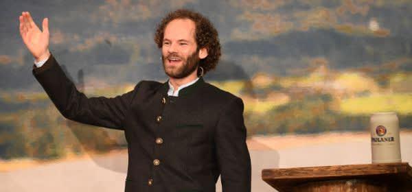 Maximilian Schafroth hält beim Starkbieranstich auf dem Nockherberg die Fastenpredigt.