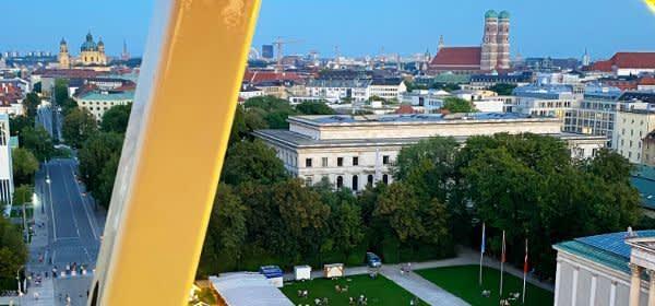 Sommer in der Stadt am Königsplatz