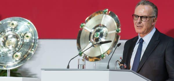 Karl-Heinz Rummenigge bei einer Jahreshauptversammlung des FC Bayern München