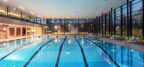 Die Schwimmhalle im Cosimawellenbad