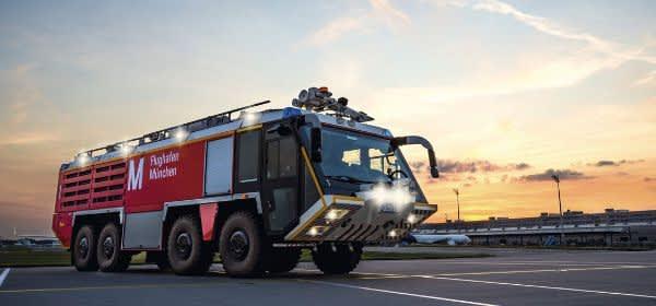 Feuerwehrauto am Flughafen München