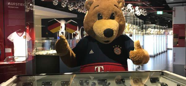Tischkickerturnier mit Berni in der FC Bayern Erlebniswelt