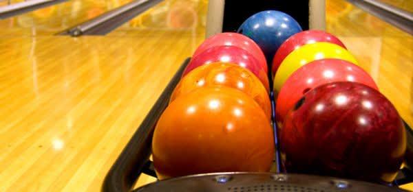 Bunte Bowling-Kugeln