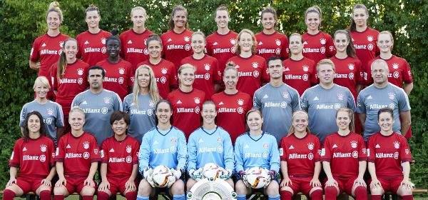 Das Frauen-Team des FC Bayern München 2015/2016.