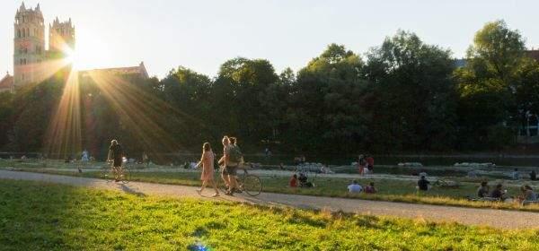 Abendstimmung mit Sonne an der Isar