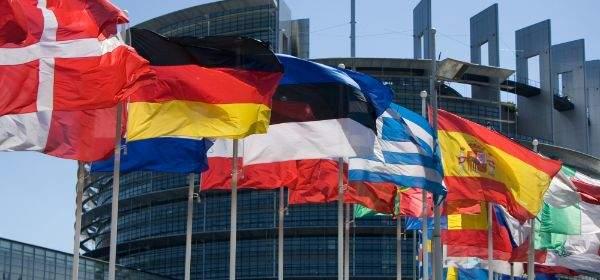 Fahnen der Europäischen Union