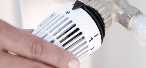 Energiespartipp: Heizung auf Frostschutz stellen