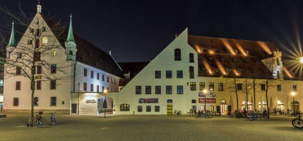 Das Münchner Stadtmuseum am Abend