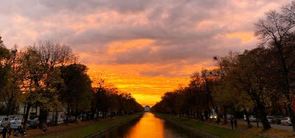 Der Nymphenburger Kanal bei Sonnenuntergang