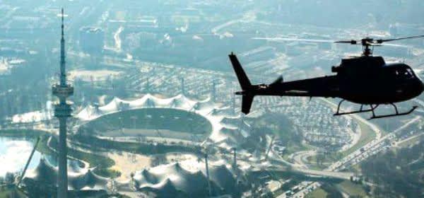 Hubschrauber über dem Olympiapark