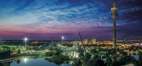 Olympiapark München bei Nacht