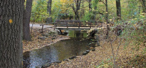 Brücke über die Würm im Pasinger Stadtpark