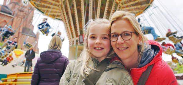 Dult-Fans: Mutter Sandra mit ihrer neunjährigen Tochter Leni.