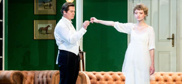 My Fair Lady am Gärtnerplatztheater. Michael Dangl (Professor Henry Higgins) und Nadine Zeintl (Eliza Doolittle)