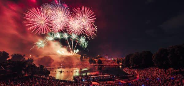 Das Sommernachtstraum Feuerwerk im Olympiapark 2019.