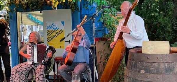 Musikanten bei der Isarwiesn im Kultursommer