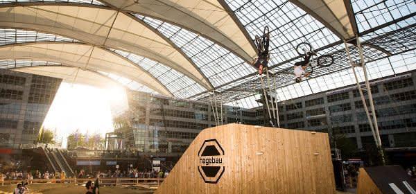 Rampe bei Bike & Style am Flughafen München